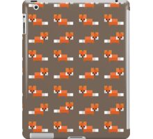 Pixel Foxes Pattern iPad Case/Skin