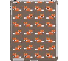 Pixel Foxes Pattern iPad Case/Skin