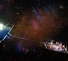 Finale Confetti - Spice Girls Concert by mackography