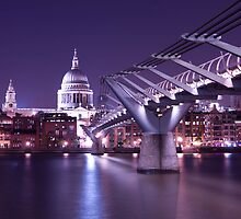 Millenium Bridge - London by mara calvi