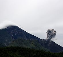 Volcan Santiaguito  by Jennifer Sands