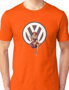 Volkswagen Pin-Up Wrenching Wanda (gray) Unisex T-Shirt