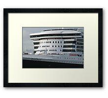 Queen Mary 2 Arrives Sydney 002 Framed Print