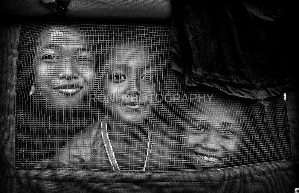 Smiling Face by RONI PHOTOGRAPHY