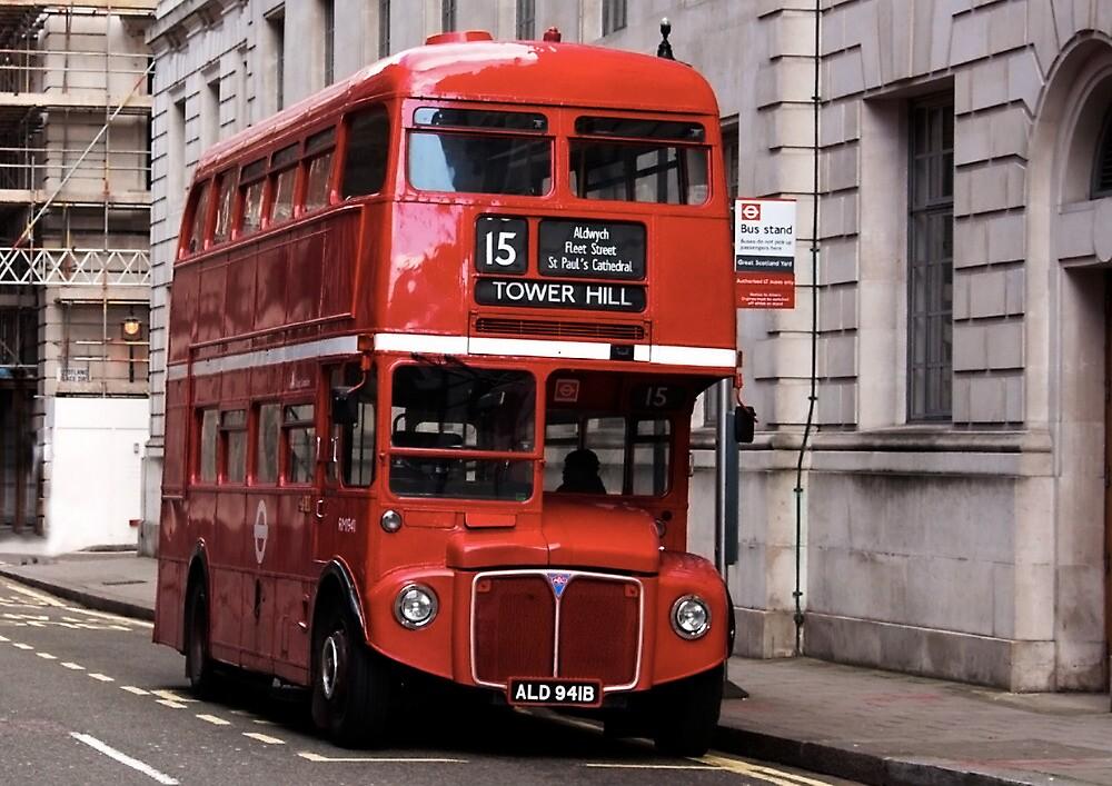 London Bus by lynxpilot