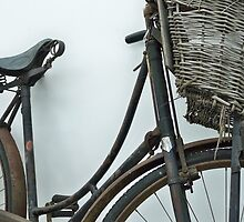 Not just a rusty old bicycle by BeauxButtons