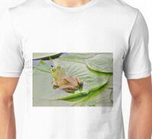 Bullfrog on a lily pad... Unisex T-Shirt