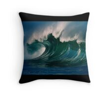 Winter Waves At Waimea Bay 2 Throw Pillow