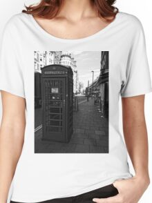 English Red Phone Box Women's Relaxed Fit T-Shirt