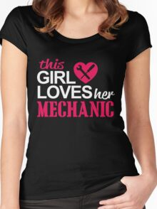 THIS GIRL LOVES HER MECHANIC Women's Fitted Scoop T-Shirt