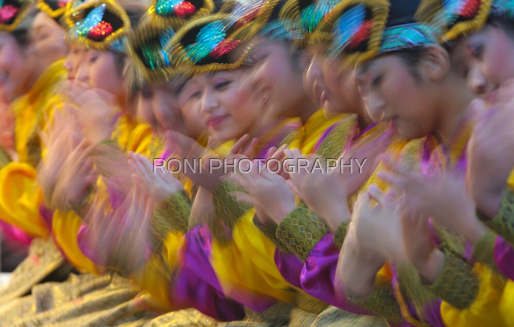 The Dance Of A Thousand Hands by RONI PHOTOGRAPHY