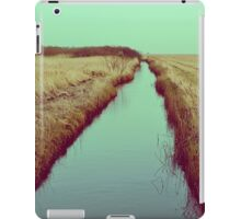 FOLLOW RIVERS iPad Case/Skin