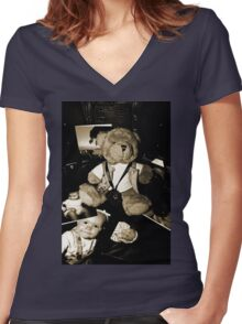 Teddy the Photographer Women's Fitted V-Neck T-Shirt