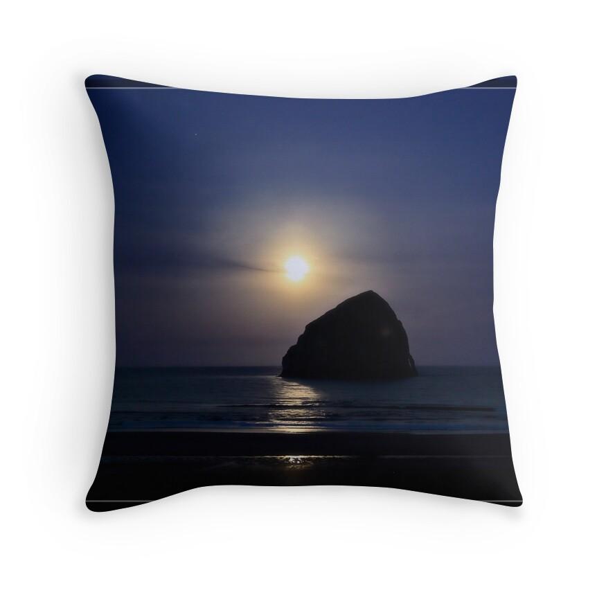 Throw Pillow Redbubble :