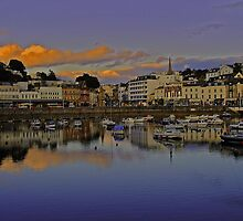 Torquay Harbour by Rob Hawkins