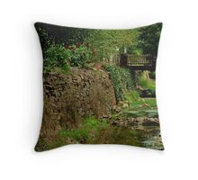 Stringers Creek, Right Hand Branch, Walhalla Throw Pillow