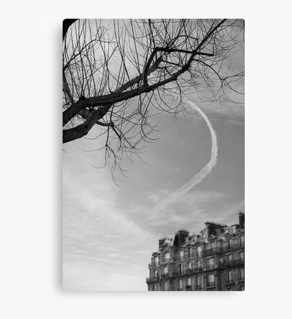 Trainée de nuage dans le ciel, Paris Canvas Print
