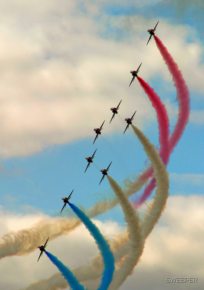 Red Arrows 1 by SWEEPER