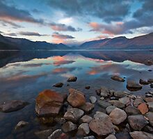Sunrise over Derwent water by Shaun Whiteman