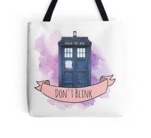 "TARDIS ""don't blink"" Tote Bag"