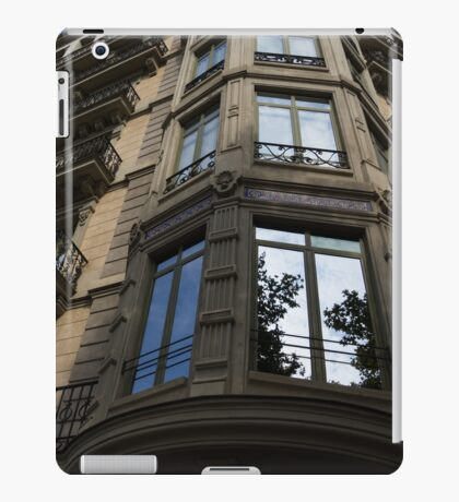 Barcelona's Marvelous Architecture - Passeig de Gracia Facade iPad Case/Skin