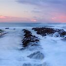 Snapper Rocks by GabrielK