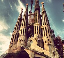 La Sagrada Familia, Barcelona by omhafez