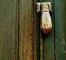 The Hand that Knocks by Valerie Rosen