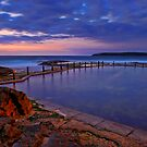 Mahon Pool - Maroubra by Ian English