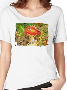 Eat the mushroom and die Women's Relaxed Fit T-Shirt