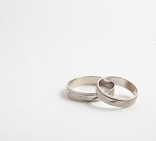 Wedding ring by Zsolt Hever