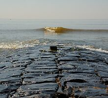 The middle of cobblestone jetty by nvr72