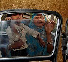 The New Delhi Contrast by Alejandra Sarrablo
