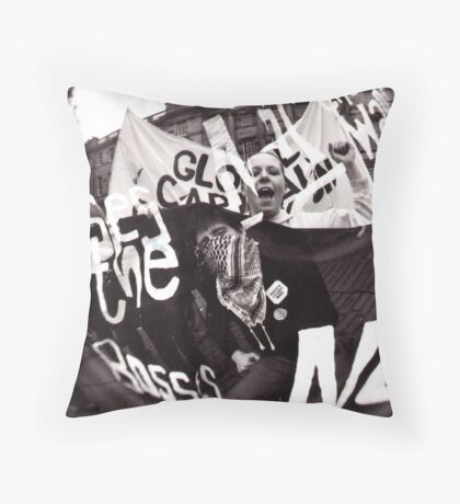 in solidarity Throw Pillow