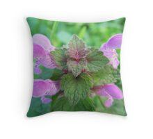 Ballıbaba (nettle) Throw Pillow