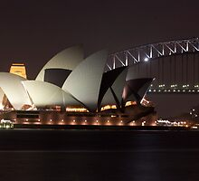 Sydney Opera House at Night by jhea5333