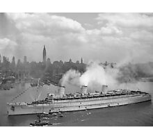 RMS Queen Mary Arriving In New York Harbor Photographic Print