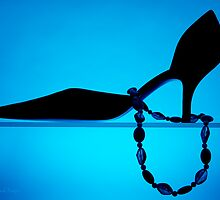 Shoe in blue - Print by Mark Podger