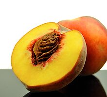 Peaches by carlosporto