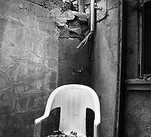 Sit down, please by Evogance