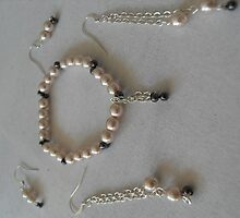 Claire's Pearly Bracelet and Earrings by sylversorceress