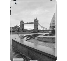LONDON 04 iPad Case/Skin