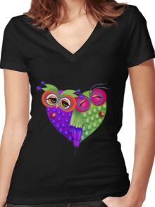 Owl's love Women's Fitted V-Neck T-Shirt