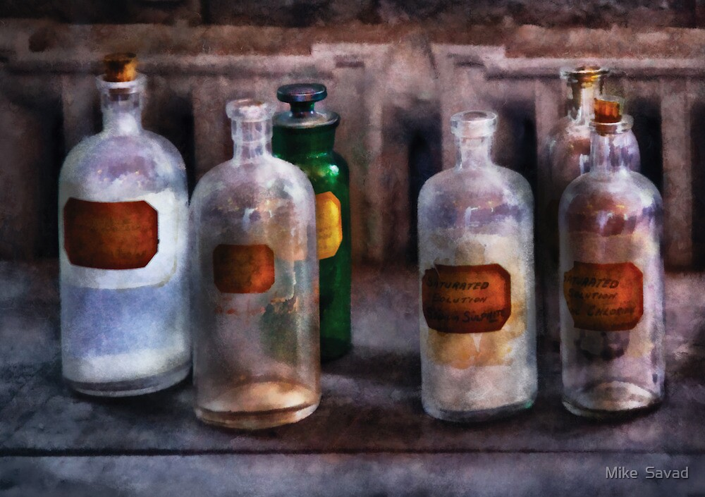 Chemistry - Saturated Solutions by Mike  Savad