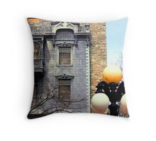 juliet's facade Throw Pillow