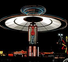 YOYO  Lights Up Cascade Carnivals Midway    by Chuck Gardner