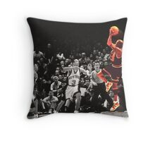 Michael Jordan vs NY Knicks Throw Pillow