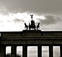 Brandenburger Tor/ Brandenburg Gate, Berlin by nclose21