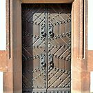 Old door, well preserved! by bubblehex08