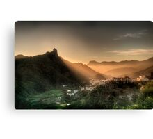 The Golden Rays Of The Evening Sun Canvas Print